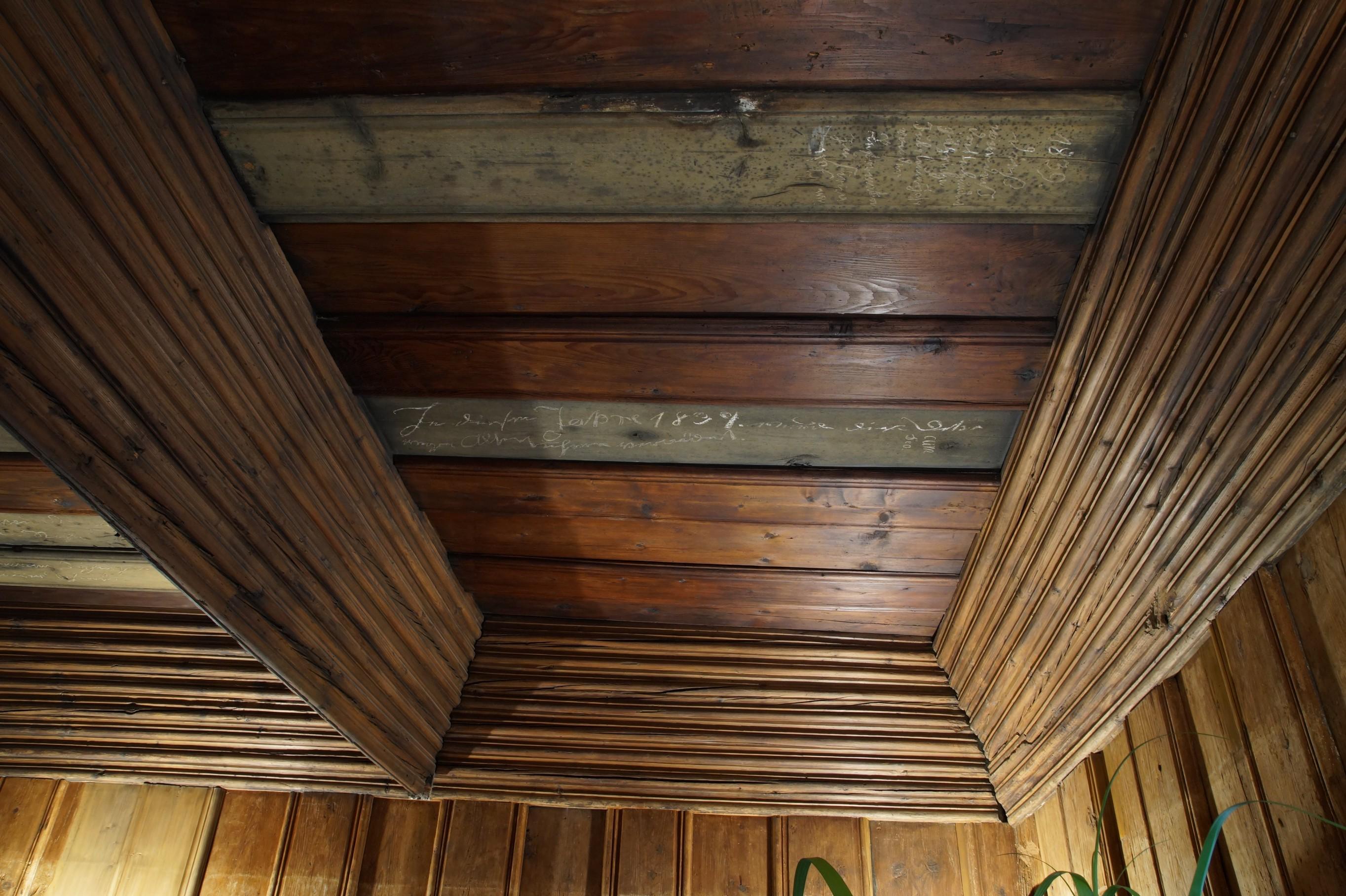 Decke der Bohlenstube
